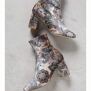 NIB Jeffrey Campbell velvet paisley boots